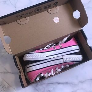 New in box little girl pink converse size 12